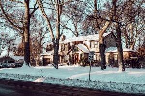 Maisons enneigées à New-York