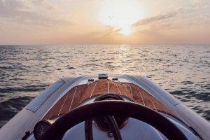 Vue d'un bateau à Dubaï